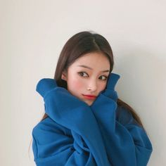 Image may contain: 1 person Ulzzang Korean Girl, Cute Korean Girl, Ulzzang Couple, Western Girl, Korean Couple, Selfie Poses, Couple Outfits, N Girls, Asian Woman
