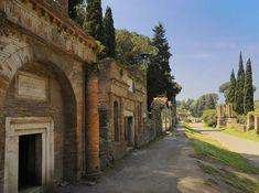 Pompeii-Tombs