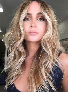23 Wonderful Bronde Hair Color Trends in 2018. We have rounded up here the stunning ideas of bronde hair colors for bold and fashionable women. This is one of the hair colors which is gaining popularity day by day. It is beautiful combination of brunette and blonde hair colors. By mixing these two we get the best shades of bronde hair colors for hair color looks.