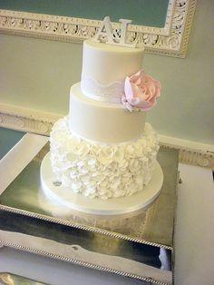 Ruffles wedding cake by The Designer Cake Company, via Flickr