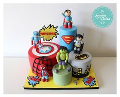 The Family Cakes: Super Heroes !