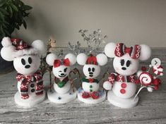 Disney Christmas Crafts, Disney Diy Crafts, Disney Christmas Decorations, Mickey Christmas, Disney Ornaments, Diy Christmas Ornaments, Simple Christmas, Holiday Crafts, Spring Crafts