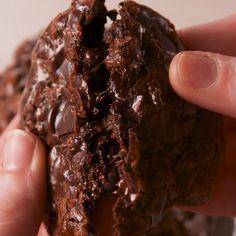 Flourless Fudge Cookies - Recipes & Useful Stuff - Food Rezepte Fudge Cookie Recipe, Cookie Recipes, Dessert Recipes, No Bake Fudge, No Bake Cake, Dinner Recipes, Delicious Desserts, Yummy Food, Easy Gluten Free Desserts