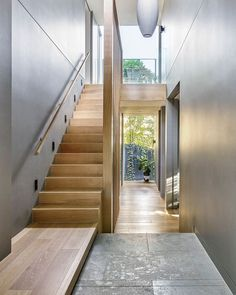 52 Ideas For Stairs Architecture Light Entrance Staircase Landing, Modern Staircase, Staircase Design, Stairs In Living Room, House Stairs, My Living Room, Open Stairs, Entry Stairs, Modern Entrance