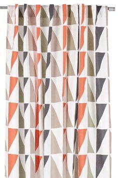 Ellos Home Hanklängder Kay, 2-pack i 100% bomull. Tryckt mönster. Påsydda hällor på baksidan. Tvätt 40°. Finns i två längder: 220 cm & 250 cm. Bredd 145 cm.