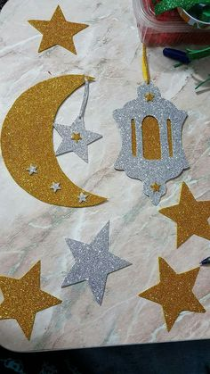 Quarto - Quarto You are in the right place about diy face mask Here we offer you the most beautiful pictures - Origami Paper, Diy Paper, Oragami, Ramadan Karim, Decoraciones Ramadan, Ramadan Crafts, Eid Crafts, Concept, Colours