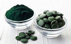 Zalety i korzyści spiruliny - algi Spirulina i Chlorella Spirulina, Superfoods, Smoothie, Blueberry, Protein, Fruit, Health, Smoothies, Blueberries