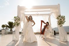 Our bride is rock!!!   #realwedding #santoriniweddingplanner