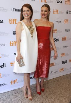 Julianne Moore (in Chanel Couture) & Kate Bosworth Julianne Moore, Kate Bosworth Style, Church Outfits, Church Clothes, What To Wear To A Wedding, Chanel Outfit, Nice Dresses, Formal Dresses, Printed Blouse