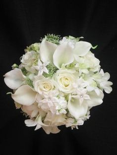 Beautiful all white bridal bouquet