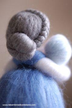 Nonna, in lana fiaba ispirazione Waldorf Wet Felting, Needle Felting, Felt Angel, Felt Fairy, Nature Table, Waldorf Dolls, Fairy Dolls, Felt Dolls, Doll Crafts