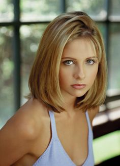 Best Of The Worst Beauty Trends Sarah Michelle Gellar is Buffy Summers (Buffy The Vampire Slayer)Sarah Michelle Gellar is Buffy Summers (Buffy The Vampire Slayer) Make Up Looks, Lindsay Lohan, Beauty Trends, Beauty Hacks, Makeup Trends, Makeup Inspo, Hair Trends, 1990s Makeup, 90s Makeup Look
