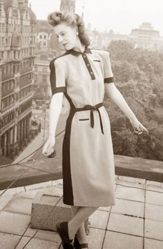 Utility Dress - Anni Quaranta si cerca di impostare una precisa quantità di  utilizzo di tessuti e mercerie 2ca2e1deb04