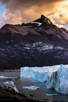 The peak of the mountain at the Perito Moreno Glacier is touched by the light. At Los Glaciares National Park, Santa Cruz province, Argentina Ushuaia, Beautiful World, Beautiful Places, Nature Landscape, Urban Nature, Argentina Travel, Amazing Nature, Beautiful Landscapes, South America