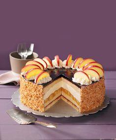 Eine fruchtige Torte mit Apfel und Holunder für die Kaffeetafel