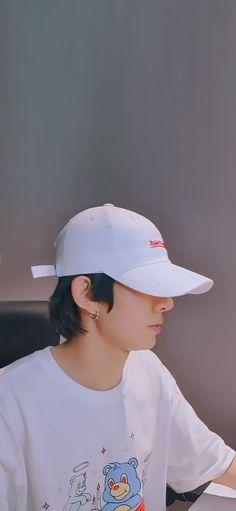 Bambi Baby, Ideal Boyfriend, Bts Aesthetic Wallpaper For Phone, Boys Wallpaper, Kpop Guys, Handsome Boys, Boyfriend Material, Taekook, Korean Actors