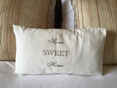 You only need a piece of fabric, spray varnish and a printer to make this cute pillow. It will add a romantic look to your home, and it's budget friendly...