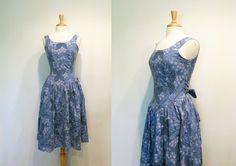 Vintage coton Floral Tropical bleu jupe ample par tobedetermined, $40.00