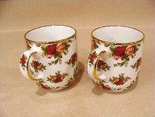 Royal Albert Old Country Roses Seasons of Color Mugs for sale online Antique Dishes, Antique Glassware, Royal Albert, Classic Wedding Invitations, China Mugs, China Patterns, Royal Doulton, Mugs Set, China Porcelain