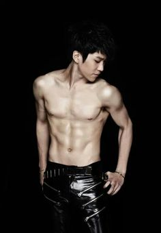 Hyunseong (ohmygosh those abs...)