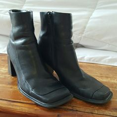 Diba Black Leather Zip Booties Great condition Diba square toe zippered booties. Leather. They do have some scuffs, but in otherwise great condition. Size 8. Diba Shoes Ankle Boots & Booties