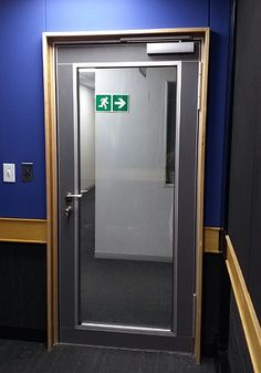 At SABC Nelspruit Drama Studios, Aluglass Bautech installed 10 Varikust® VK62G acoustic GLASS doors.