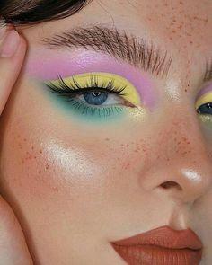 Edgy Makeup, Makeup Eye Looks, Eye Makeup Art, Blue Eye Makeup, Makeup Inspo, Skin Makeup, Eyeshadow Makeup, Makeup Inspiration, Makeup Ideas