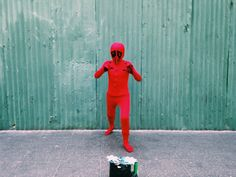 red kid | paseo de la sexta