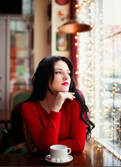 Lady in Red waiting while having a cup of coffee. Coffee Girl, I Love Coffee, Coffee Break, Coffee Mornings, Cozy Coffee, Coffee Corner, Coffee Cup, Morning Coffee, Photo Oeil
