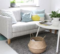 So Leb Ich blogger Britta Bloggt's Bemz summer transformation   IKEA Karlanda sofa with a Bemz slipcover in Classic Ruta Black cotton fabric   britta-bloggt.blogspot.se