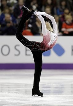 Yuzuru Hanyu of Japan performs during the men's free skate program at the World Figure Skating Championships Friday, March 15, 2013, in London, Ontario.