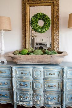 One of the most fabulous Farmhouse Home Decor Accessories is a beautiful Dough Bowl! They are magnificent and add such warmth to a room. So many of them are unique…one of a kinds with such personality. A Dough Bowl can look incredible just plain or filled Wooden Dough Bowl, Wooden Bowls, Rustic Bowls, Home Decor Accessories, Decorative Accessories, Living Room Essentials, European Home Decor, Best Kitchen Designs, Antique Decor
