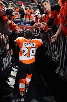 Lauren Zuchowicz  ) Claude Giroux Flyers Hockey 366ad5747