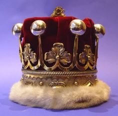 Silver Countess's Coronet, worn at Edward VII's & Subsequent Coronations, made by I. P. in London, 1901, height approx. 13cm, diameter of base 16cm, diameter of head space 12cm.