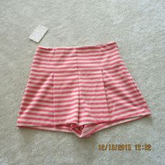 """Free people striped ponte shorts. Size xs. Nwt. In perfect new condition. Length 13"""" Inseam3"""" 64% polyester 33% rayon 3% spandex. No trade. Free People Shorts"""