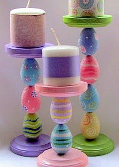 65+ unique Easter crafts ideas. Easter craft projects for kids and adults to make. Easter arts and crafts with bunnies, eggs, chicks and carrots. Make baskets, garlands, wreaths, trees, treat bags and #artsandcraftsstores,