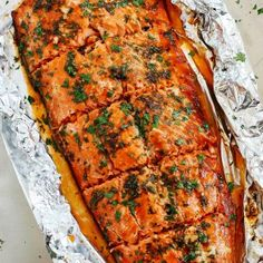 This delicious Ginger Basil Salmon in Foil is the perfect weeknight dinner that's healthy, easy to prepare, and ready in just 20 minutes! This post was sponsored by Alaska Seafood as part of an Influe Fish Recipes, Seafood Recipes, Chicken Recipes, Dinner Recipes, Cooking Recipes, Healthy Recipes, Delicious Recipes, Healthy Food, Yummy Food