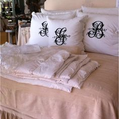 The beauty of Pandora de Balthazar bedding.  Forever in Love with Pandora!