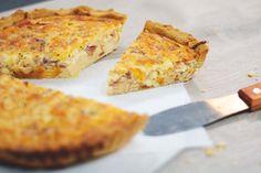 Quiche lorraine Quiche Lorraine, Tapas, Empanadas, Relleno, French Toast, Pineapple, Cheese, Fruit, Breakfast