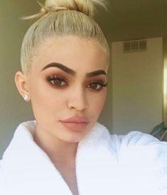 trendy makeup kylie jenner make up eyebrows Style Kylie Jenner, Nails Kylie Jenner, Kendall Y Kylie Jenner, Kylie Jenner Outfits, Kylie Jenna, Kylie Lips, Maquillaje Kylie Jenner, Maquillage On Fleek, Estilo Jenner