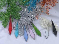 Hoi! Ik heb een geweldige listing gevonden op Etsy https://www.etsy.com/nl/listing/215291568/stained-glass-icicles-handmade-christmas