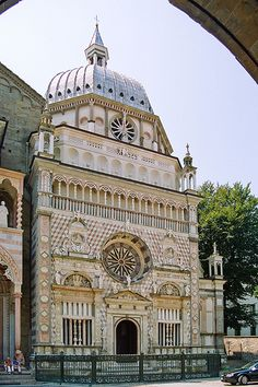 Cappella Colleoni, Bergamo, Italy I love this church. It is one of the most ornate churches I have ever seen.