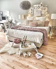 Bedroom Decor For Teen Girls, Teenage Girl Bedrooms, Gray Teen Bedrooms, Bedroom Ideas For Women Cozy, Girl Rooms, Girl Decor, Cozy Bedroom, Home Decor Bedroom, Master Bedroom