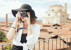 6 Useful Travel Photography Tips for Beginners. Photo tips. Tips for beginner photographers. Travel photography tips. Solo Travel, Travel Tips, Travel Hacks, Travel Destinations, Travel Advice, Travel Essentials, Travel Photos, Business Essentials, Fun Travel