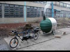 czech republic-based practice architects has designboom us images of 'bike sauna', a transportable sweat lodge pulled by a tandem bicycle. Mobile Sauna, Bike Motor, Sweat Lodge, Tandem Bicycle, Folding Bicycle, Trailer Diy, Champions Of The World, Mini Camper, Micro Campers