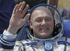 Astronaut André Kuipers is zondag 27 september te gast bij Theaters Tilburg! - 'Theaters Tilburg en de Bibliotheek Tilburg Centrum werken samen rondom het Ruimtevaartcollege van André Kuipers'.