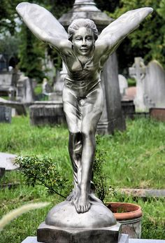 Spirit of Ecstasy Memorial, Kensal Green Cemetery, London (why is the Rolls-Royce hood ornament memorialized???)