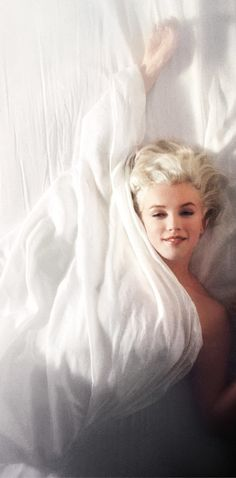 Marilyn Monroe (1961)  © All Images Courtesy of Douglas Kirkland. All Rights Reserved 2017. For Editorial Usage Only. No Commercial Usage Allowed.