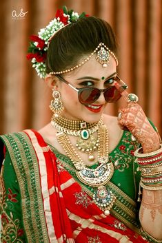 Indian Bride Photography Poses, Indian Bride Poses, Indian Wedding Poses, Indian Bridal Photos, Wedding Couple Poses Photography, Indian Bridal Outfits, Indian Bridal Fashion, Wedding Photos, Dehati Girl Photo