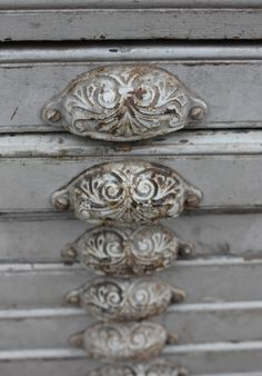 These drawer pulls remind me of concha belts.